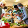 臼田公民館   親子陶芸教室に5組11人 夢中で器づくり